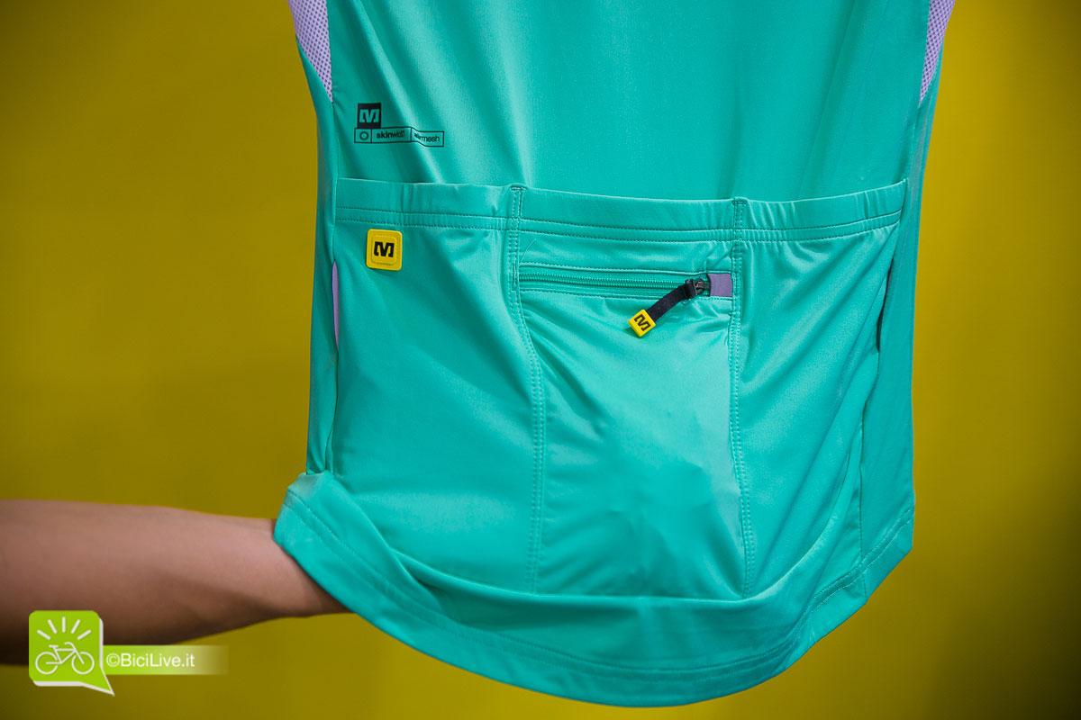 Mavic 2015 //  Nella taschina con zip sono nascosti i manicotti in tinta con la maglia