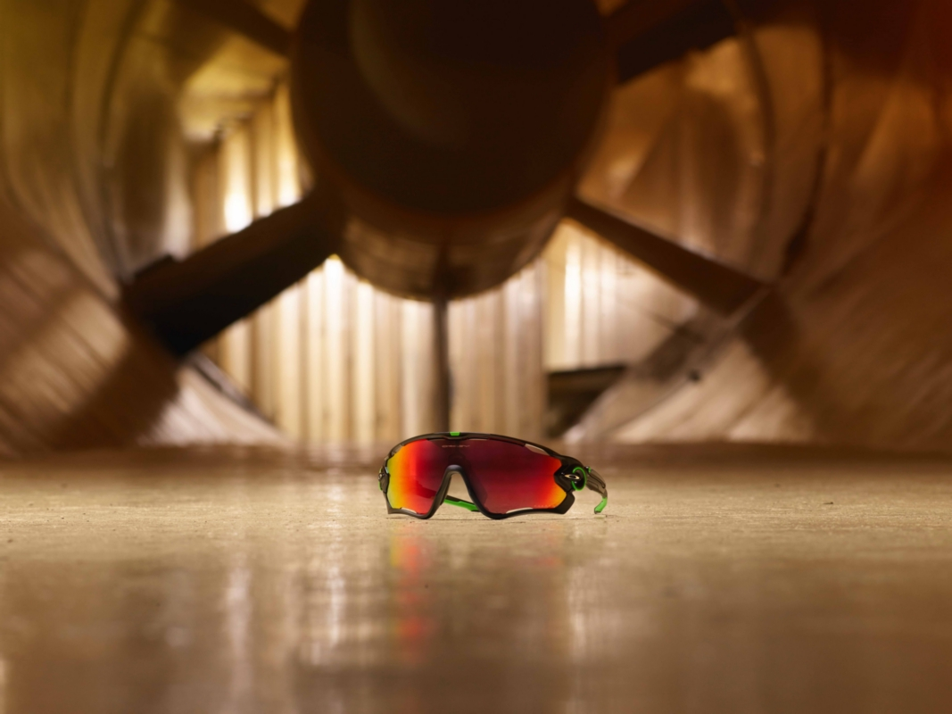 Oakley_JAWBREAKER_product in environment_1