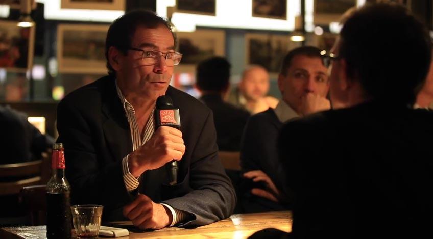 Davide Cassani durante l'intervista con Giacomo Pellizzari per strada.bicilive.it