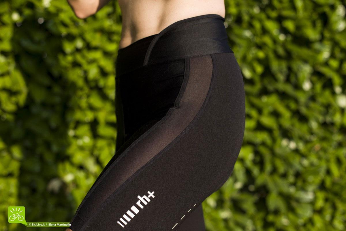 Gli shorts RH+ REVO woman hanno una fascia in rete laterale che danno un tocco sexy al capo, inoltre il logo è riflettente