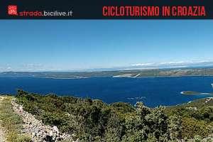 Una foto dedicata a una storia di cicloturismo a Lussino, isola della Croazia