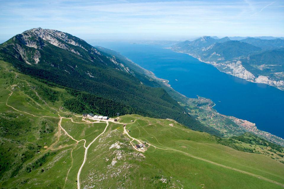 Cicloturismo dove pedalare in italia for Cabine al lago shadd