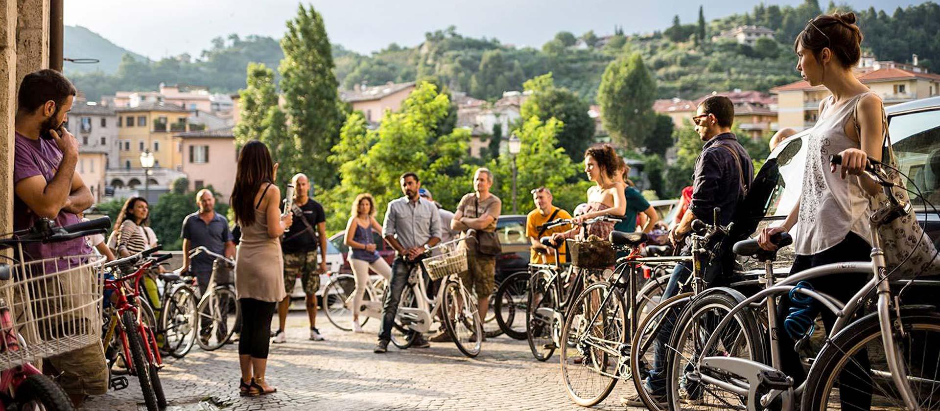 Con Piceno Bike Travel hai la possibilità di vistare la città concludendo la serata con un delizioso aperitivo