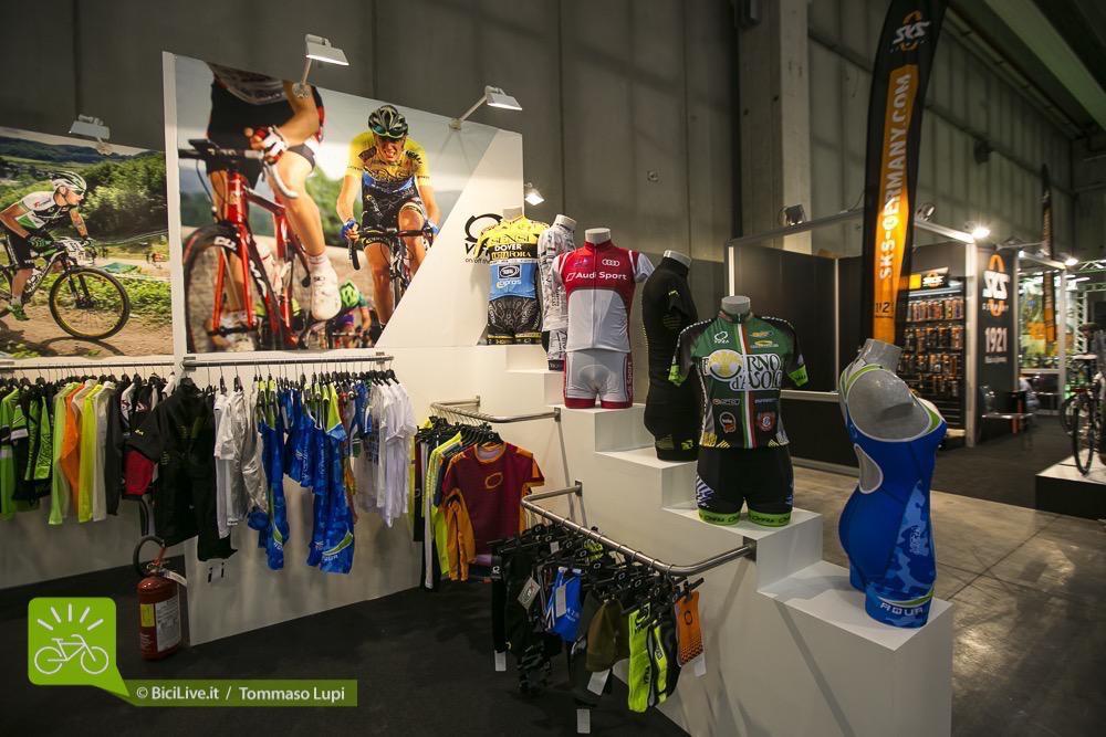 vifra-cosmo-bike-abbigliamento-ciclismo-1.jpg