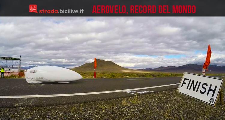 foto che ritrae aerovelo al taglio del traguardo dopo aver superato i 139 km/h