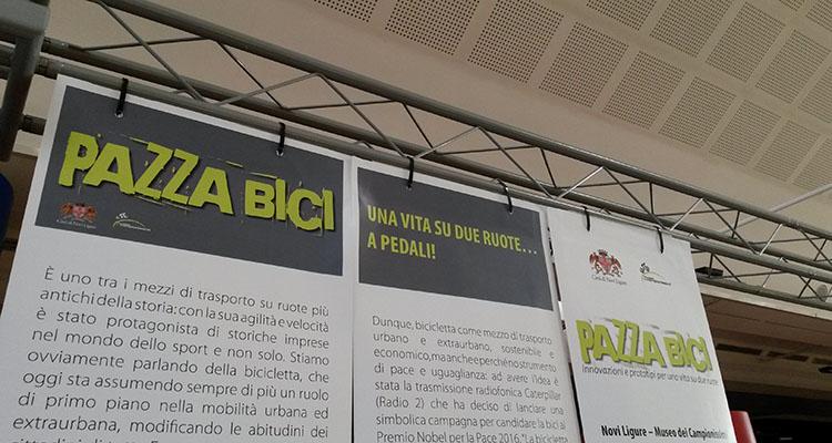 """foto del cartellone di """"pazza bici"""""""