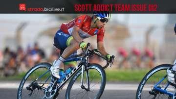 Ciclista sulla bici da corsa Scott Addict Team Issue Di2