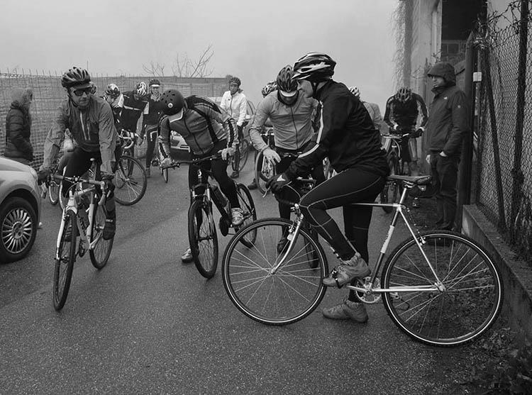 Foto dei partecipanti all'ultima Lodi-Lecco-Lodi prima della partenza