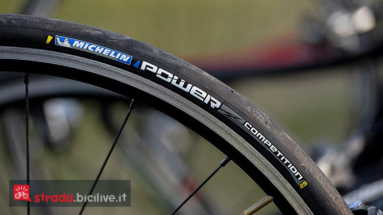 Il pneumatico da competizione per bici da corsa Ultra Power di Michelin