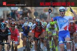 la volata della gara di ciclismo Milano-Sanremo 2016
