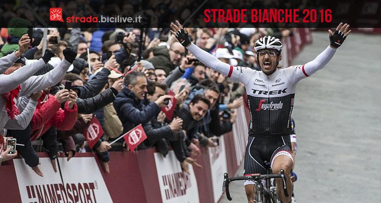 """Esultanza di Fabian Cancellara sul traguardo della gara """"Strade Bianche"""" 2016"""