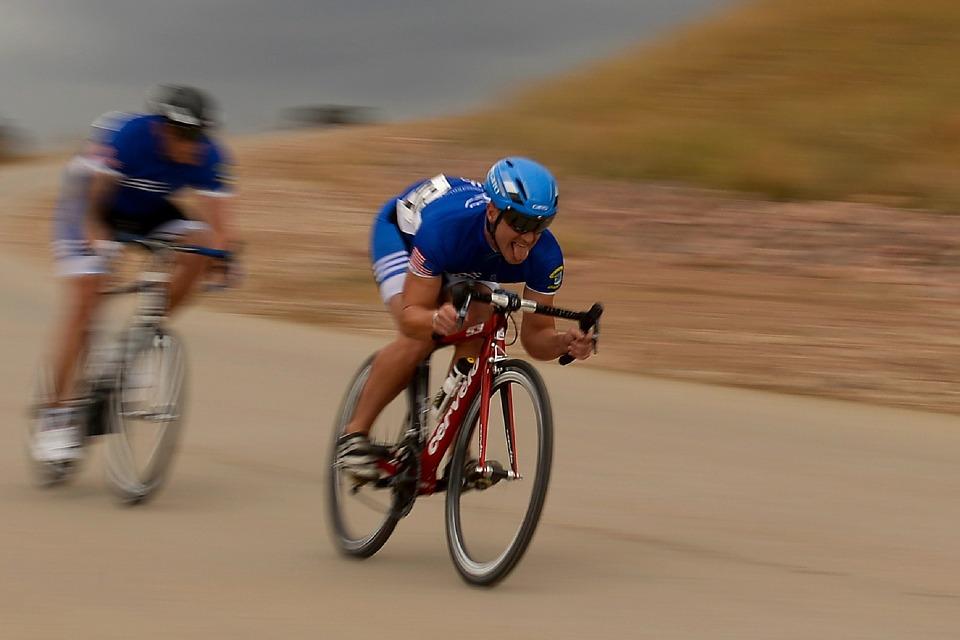 resistenza aerodinamica nel ciclismo e area frontale