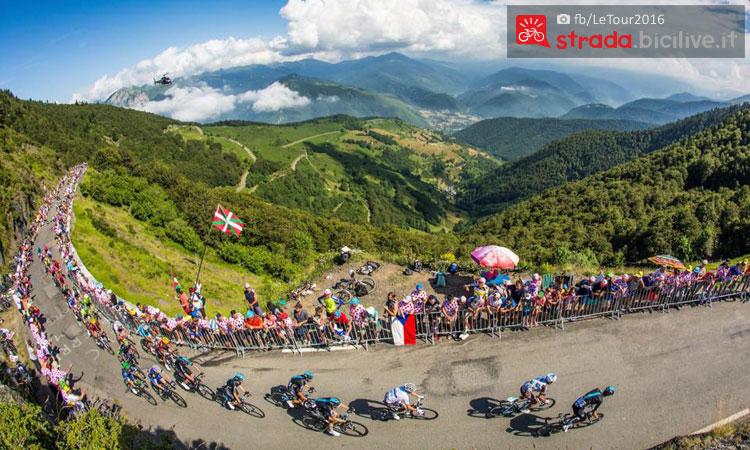 I Pirenei durante un passaggio del Tour 2016