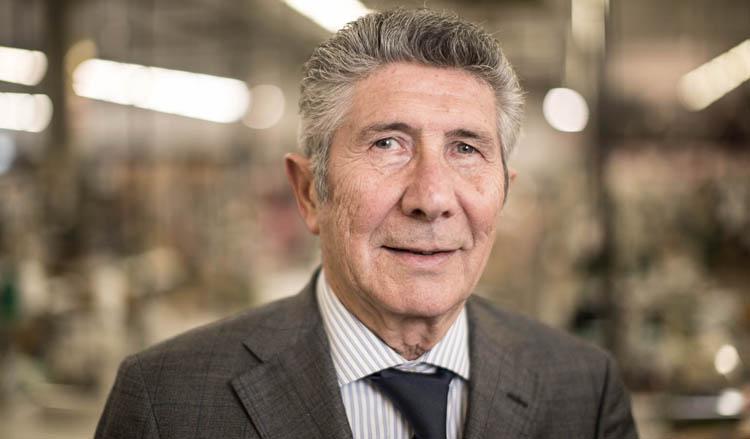 Ritratto di Pietro Santini, fondatore dell'azienda Santini SMS: Santini Maglificio Sportivo