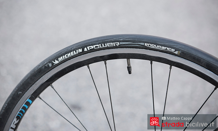Lo pneumatico antiforatura Michelin Power Endurance