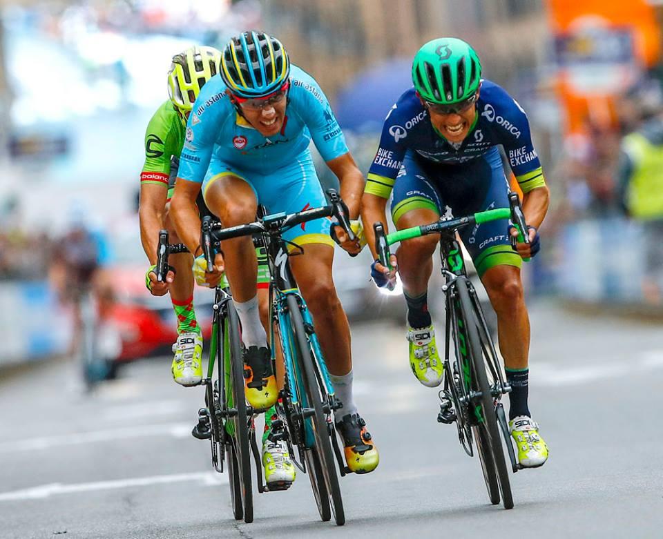 volata di chaves e rosa al Giro di Lombardia 2016