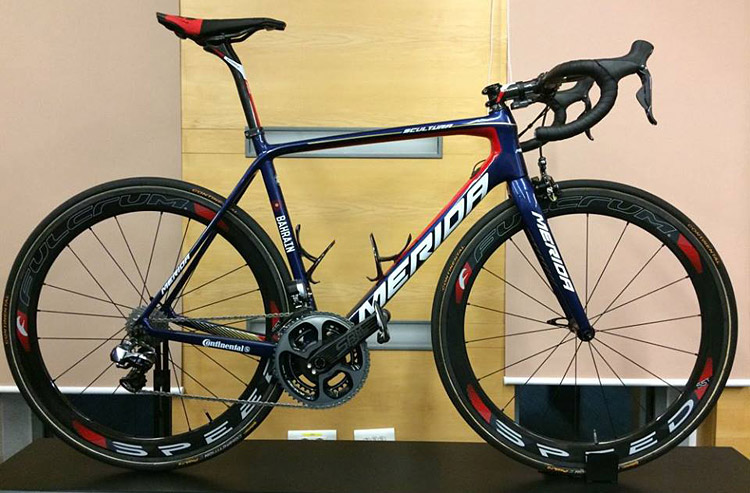 bahrein-merida-pro-cycling-team-2017-bicicletta