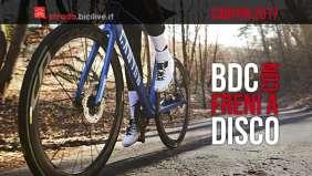 bici da corsa canyon con freni a disco