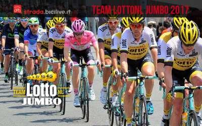 team-ciclismo-uci-lotto-nl-jumbo-2017 con bici bianchi