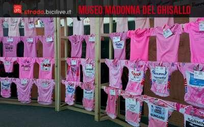 esposizione di maglie rosa al museo del ciclismo madonna del ghisallo