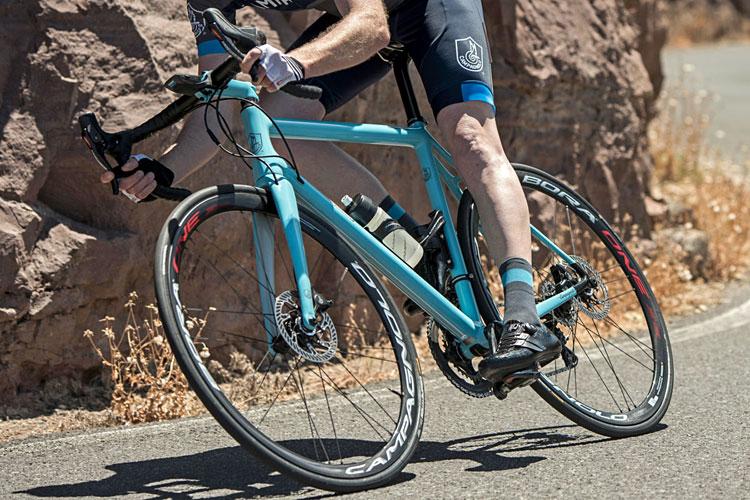 bici con gruppo Campagnolo h11