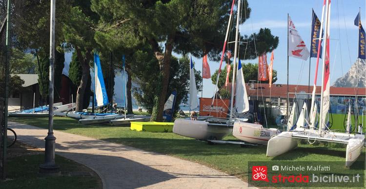 imbarcazioni al lago di garda