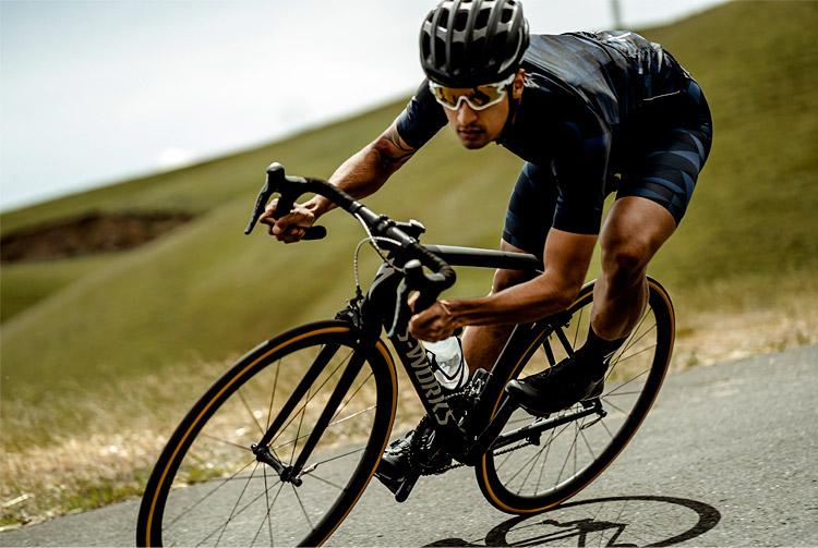 ciclista su specialized tarmac 2018