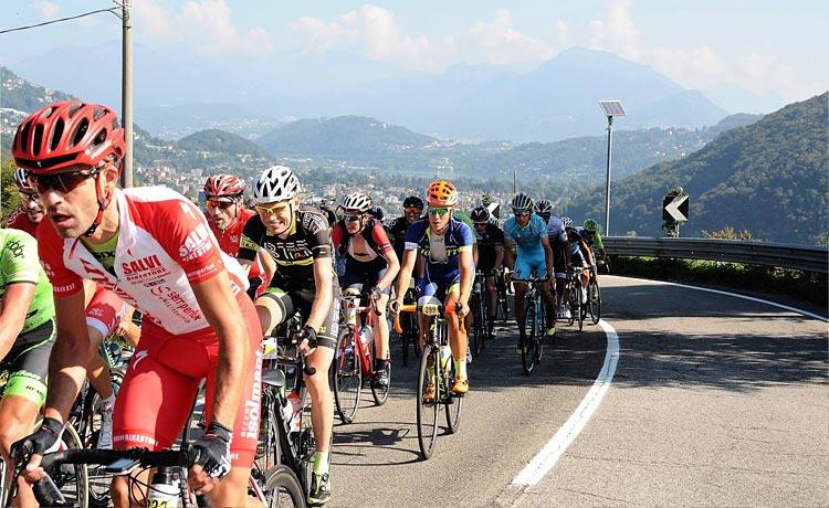 ciclisti in gara alla granfondo di ciclismo trevalli