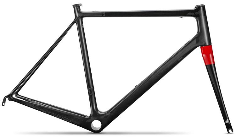 telaio in carbonio della bici road racing cervelo r5