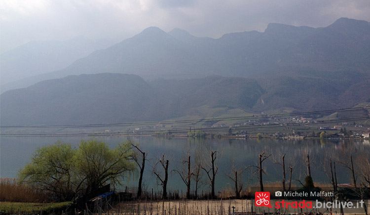 panorama del lago di Caldaro