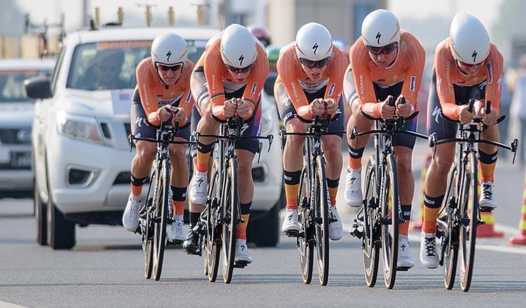 squadra dell'Olanda durante la cronometro