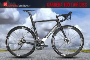 bicicletta da corsa Carrera TD 01 Air Disc su una strada