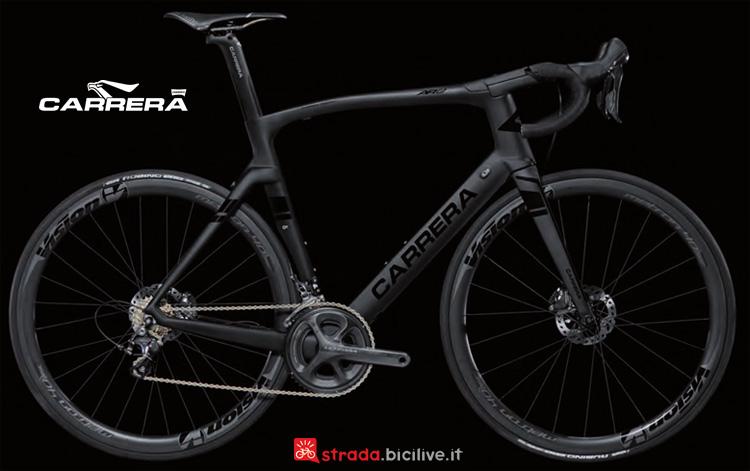 Una bici da corsa Carrera AR01 Disc 2019