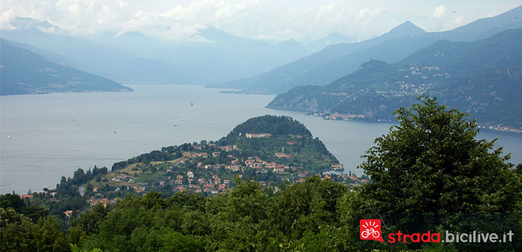 panorama di Bellagio dalla salita del Ghisallo