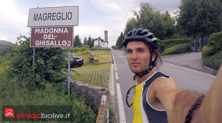 selfie nei pressi della Madonna del Ghisallo