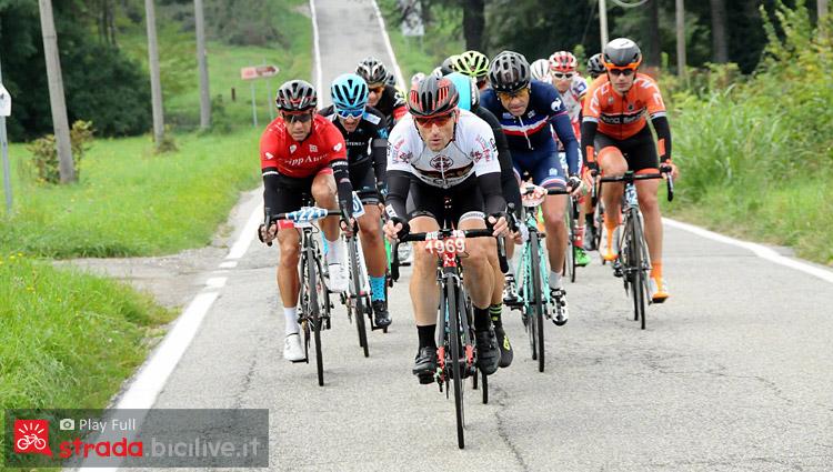 ciclisti amatori alla GF Tre Valli Varesine