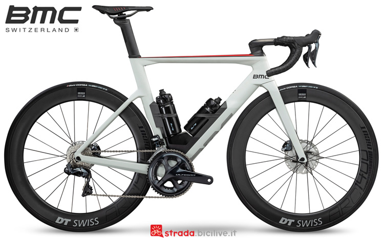 Una bicicletta aero BMC Timemachine Road 01 Three dal catalogo 2019