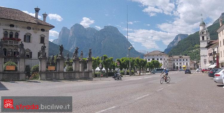 centro storico di Agordo, partenza del giro verso il Duran