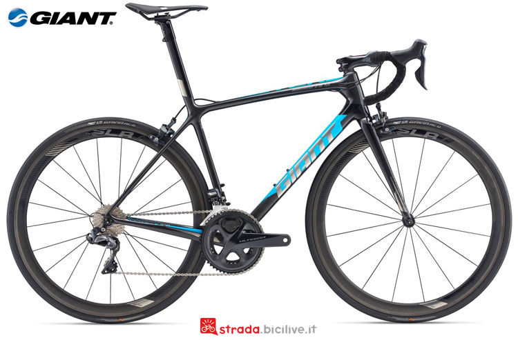 Una bicicletta da strada Giant TCR Advanced SL 1