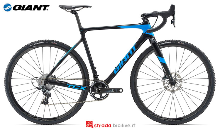 Una bici da ciclocross Giant TCX Advanced Pro 1