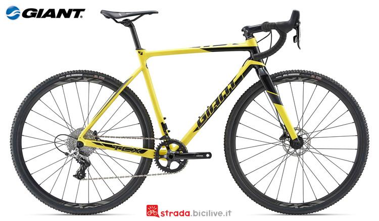 Una bicicletta da ciclocross Giant TCX SLR 1