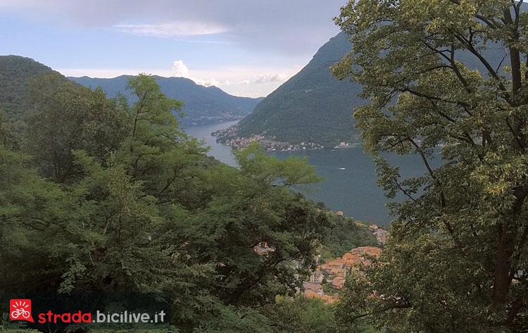 panorama del lago di Como scendendo in bici verso Nesso