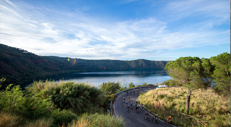 lago di Albano visto durante la GF Campagnolo