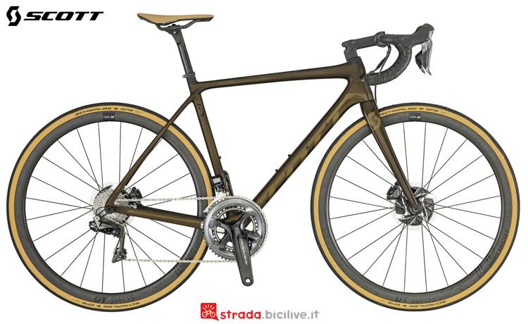 Una bici da corsa Scott Addict Premium Disc 2019