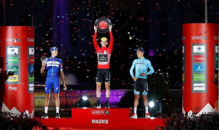 podio Vuelta 2018 con Yates, Mas e Angel Lopez