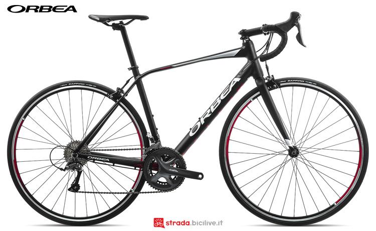 Una bicicletta Orbea Avant H60 anno 2019