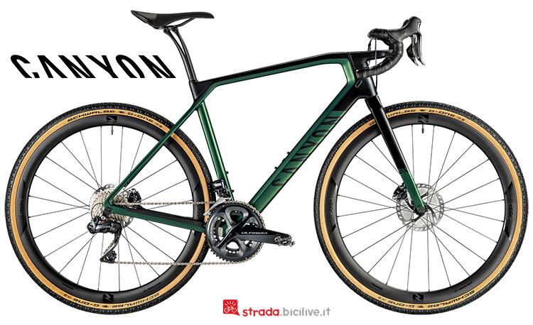 Una bicicletta All road Canyon Grail CF SLX 8.0 Di2 2019