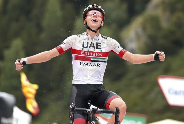 Tadej Pogacar vince la tappa 9 della Vuelta 2019