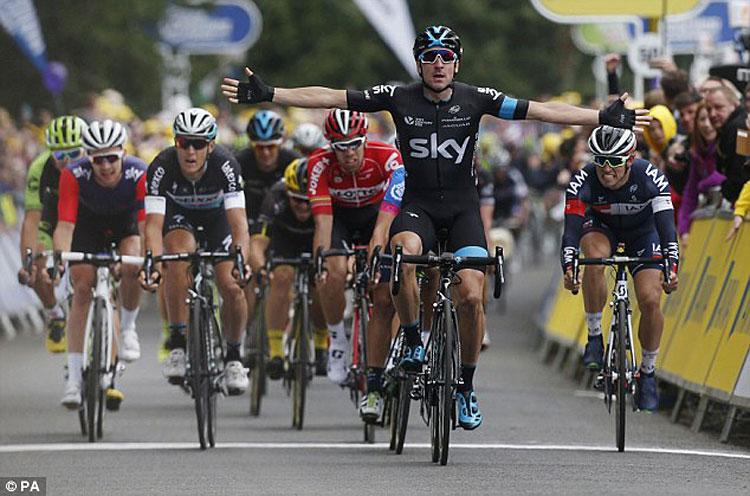 prima vittoria al Giro d'Italia di Viviani