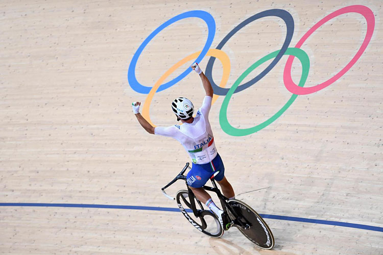 Viviani vince l'oro alle olimpiadi di Rio